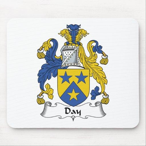 Escudo de la familia del día tapete de raton
