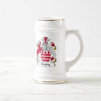 Escudo de la familia del esmeril jarra de cerveza