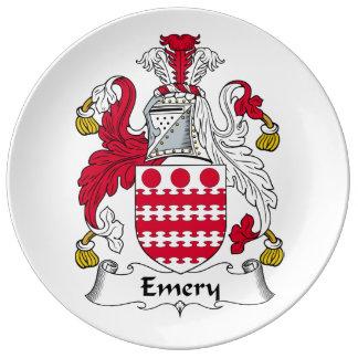Escudo de la familia del esmeril plato de cerámica