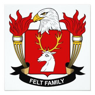 """Escudo de la familia del fieltro invitación 5.25"""" x 5.25"""""""