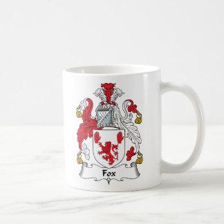 Escudo de la familia del Fox Taza Básica Blanca