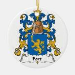 Escudo de la familia del fuerte ornamentos para reyes magos