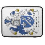 Escudo de la familia del Garner Fundas Para Macbooks