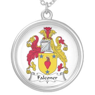Escudo de la familia del halconero collar personalizado