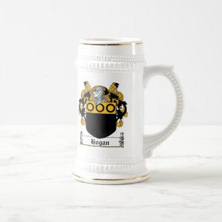 Escudo de la familia del Hogan Jarra De Cerveza