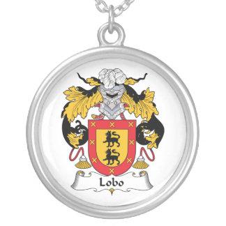 Escudo de la familia del lobo grímpola