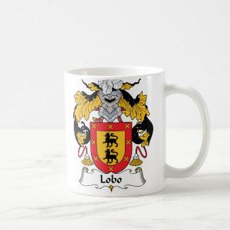 Escudo de la familia del lobo taza clásica