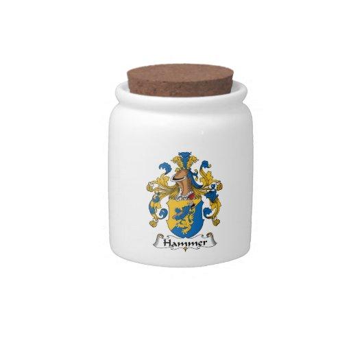 Escudo de la familia del martillo platos para caramelos