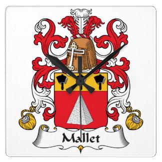 Escudo de la familia del mazo relojes de pared