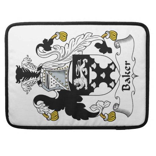 Escudo de la familia del panadero fundas macbook pro