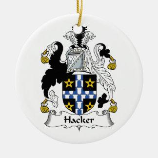 Escudo de la familia del pirata informático adorno redondo de cerámica