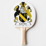 Escudo de la familia del portador pala de tenis de mesa