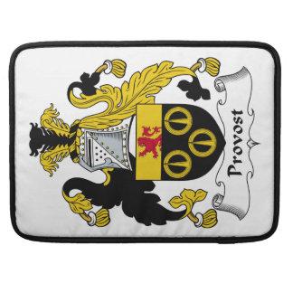 Escudo de la familia del preboste fundas para macbooks
