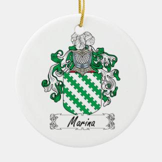 Escudo de la familia del puerto deportivo adorno para reyes