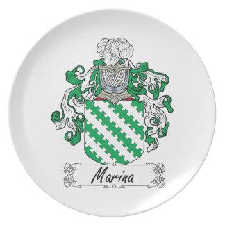 Escudo de la familia del puerto deportivo platos