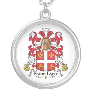 Escudo de la familia del Santo-Leger Collar