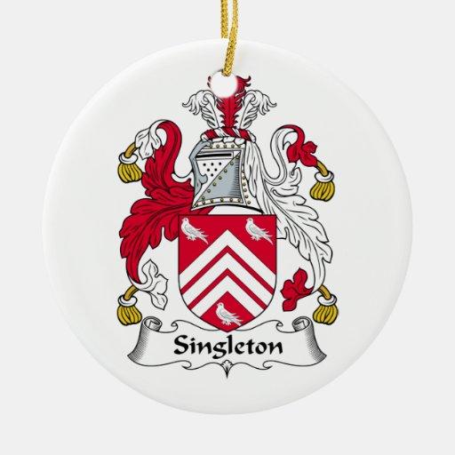 Escudo de la familia del Singleton Adorno Redondo De Cerámica