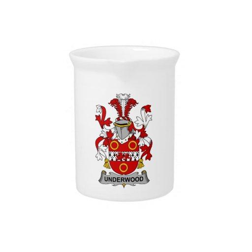 Escudo de la familia del sotobosque jarra para bebida