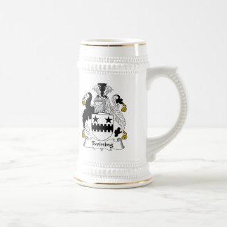 Escudo de la familia que trenza tazas de café