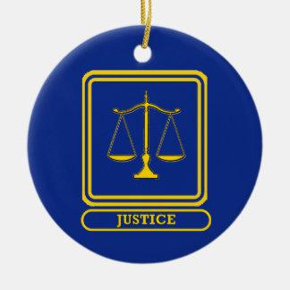 Escudo de la justicia de los jueces adorno redondo de cerámica