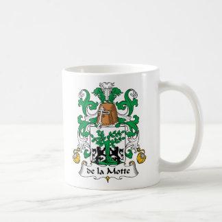 escudo de la Motte Family Taza Básica Blanca