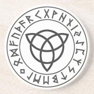 Escudo de la runa de Triquetra Posavasos Personalizados