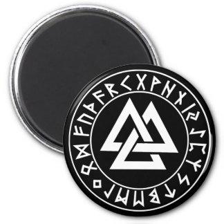 escudo de la runa del Tri Triángulo del imán en el