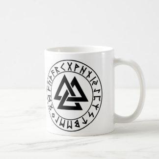 escudo de la runa del Tri Triángulo del Taza De Café