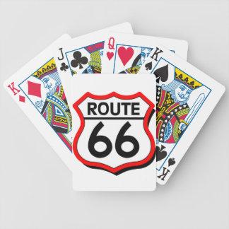 Escudo de la ruta 66 con rojo y sombra cartas de juego