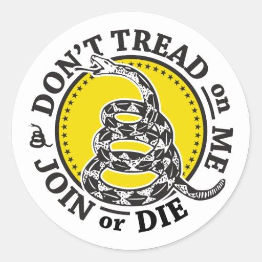 Escudo de la serpiente de Gadsden Pegatina Redonda