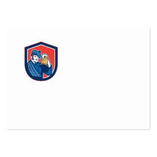 Escudo de la taza del bebedor de cerveza del plantillas de tarjeta de negocio