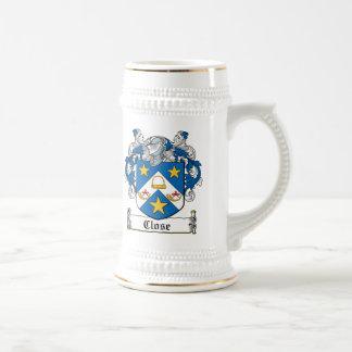 Escudo de los parientes cercanos jarra de cerveza
