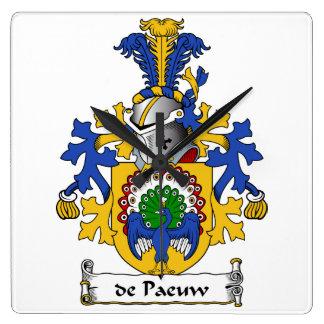 escudo de Paeuw Family Reloj Cuadrado