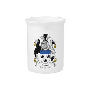 Escudo de piedra de la familia jarras de beber