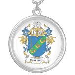 Escudo de Van Geen Family Collares Personalizados