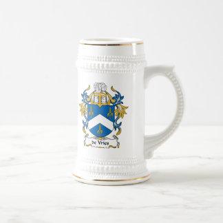 escudo de Vries Family Jarra De Cerveza