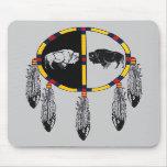 Escudo del búfalo alfombrillas de ratón