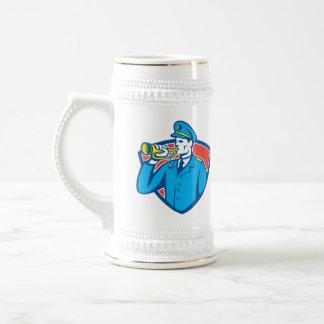 Escudo del bugle del soldado que sopla taza de café
