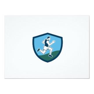 """Escudo del corredor de maratón retro invitación 6.5"""" x 8.75"""""""