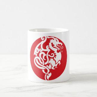 Escudo del dragón taza clásica