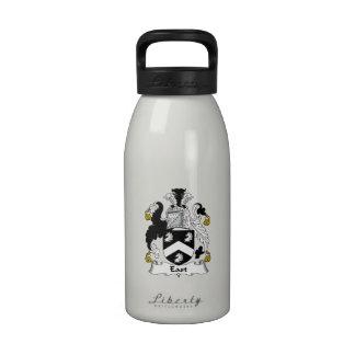 Escudo del este de la familia botella de agua reutilizable