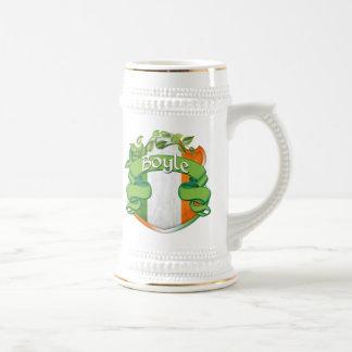 Escudo del irlandés de Boyle Jarra De Cerveza