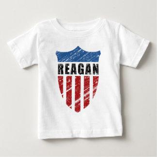 Escudo del patriota de Reagan Camisas