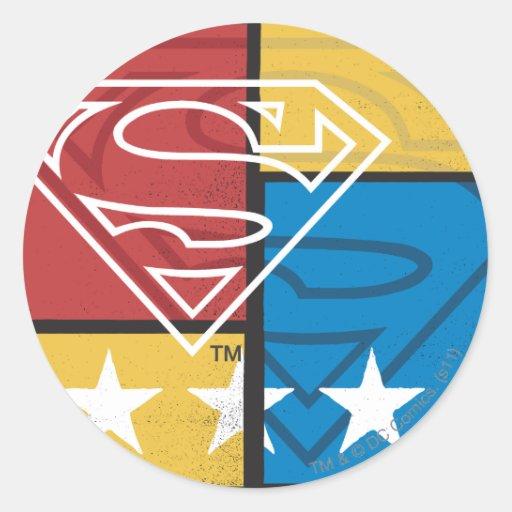 Escudo del superhombre con las estrellas pegatina redonda
