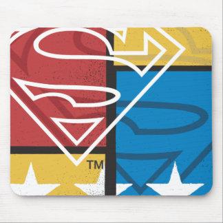 Escudo del superhombre con las estrellas tapete de ratón