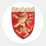 Escudo desenfrenado sombreado sedoso del león de pegatina redonda