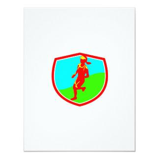 """Escudo femenino del corredor de maratón de invitación 4.25"""" x 5.5"""""""