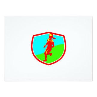 """Escudo femenino del corredor de maratón de invitación 6.5"""" x 8.75"""""""