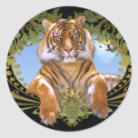 Escudo feroz del tigre en peligro pegatinas