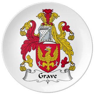Escudo grave de la familia plato de cerámica